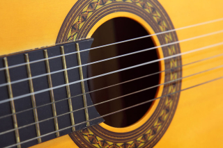 9188-close-up-of-an-acoustic-guitar-pv