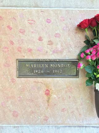 Marilyn_Monroe_Grave